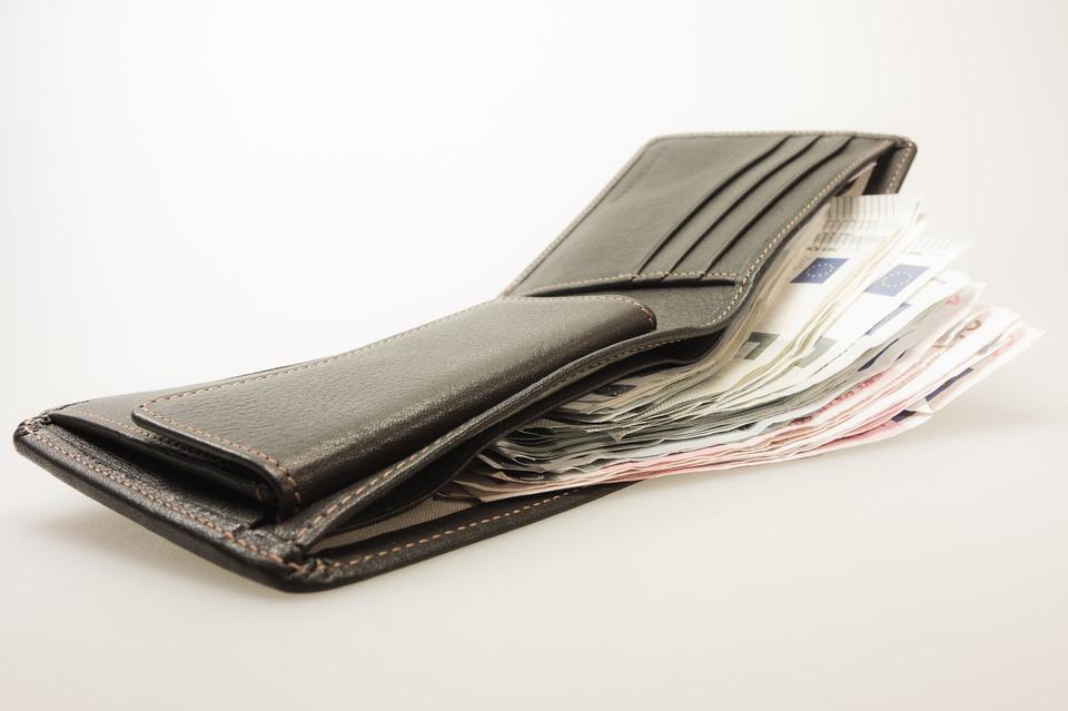 Близо 5 млрд. лв. по-малко в касите на фирмите след проверките на НАП
